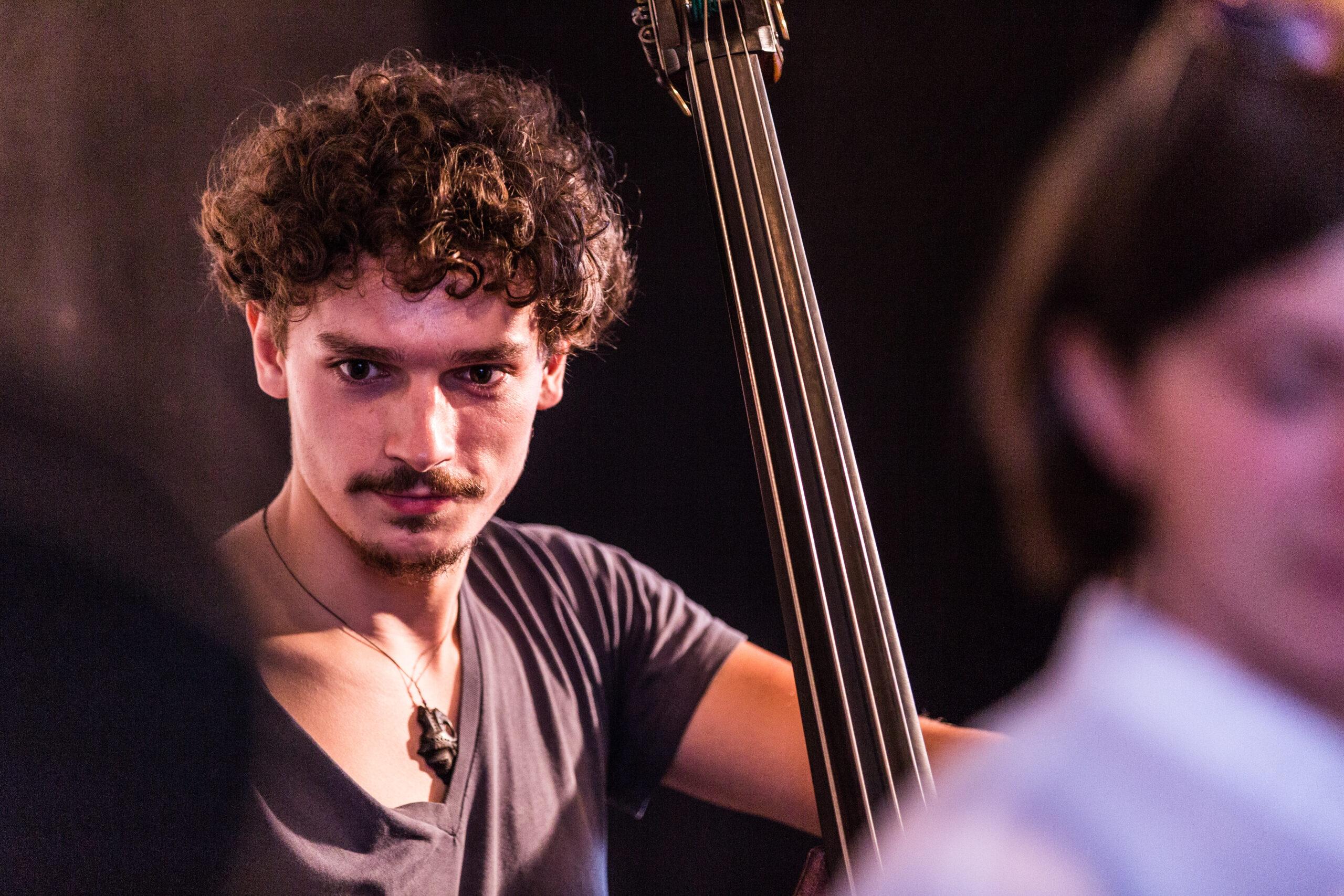 Cello Theaterkarawane